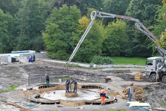 7_prace przy fontannie w ogrodzie różanym.jpg