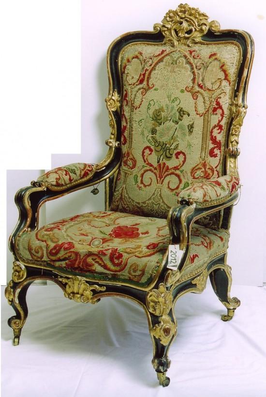 31_18 fotel 2012 przed konserw.jpg