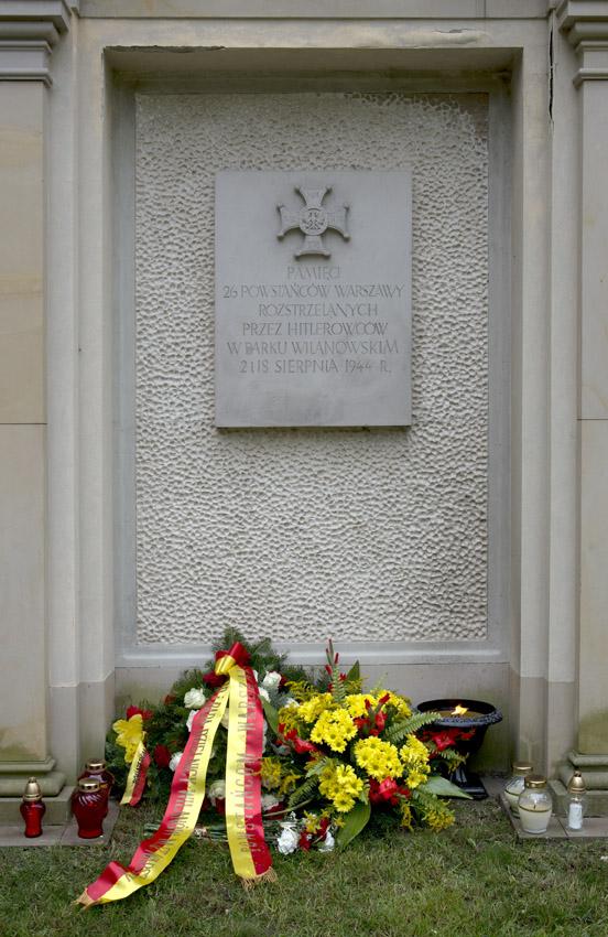 tablica upamiętniająca powstańców 2014.jpg