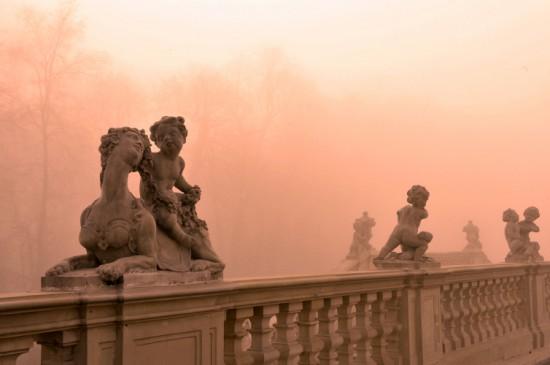 Rokokowe rzeźby z warsztatu J.Ch. Redlera w wilanowskich ogrodach, fot. W. Holnicki.jpg