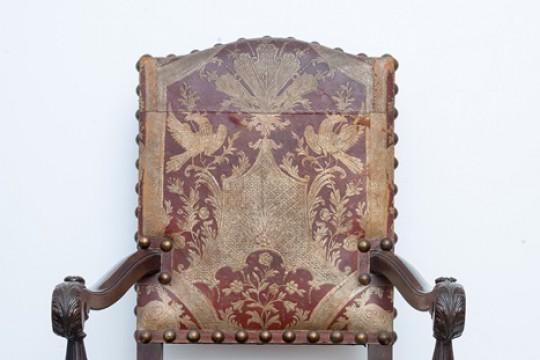 Fotel obity kurdybanem, XIX w., nr inw. Wil.3127, fot. Z. Reszka.jpg
