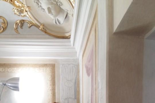 Uzupełnienia malarskie w Gabinecie o Trzech Oknach, fot. E. Grygiel.jpg