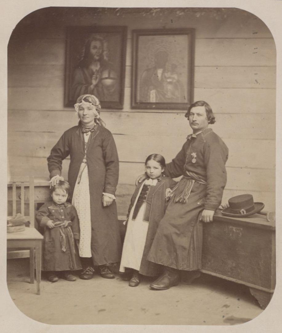 Rodzina sołtysa z Wilanowa, fot. K. Beyer, 1866; Biblioteka Narodowa