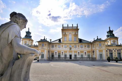 pałac od strony ogrodów, fot. M. Kawka.jpg