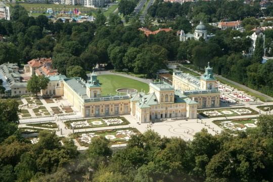 Pałac i plaża wilanów Z.Myczkowski 2011.jpg