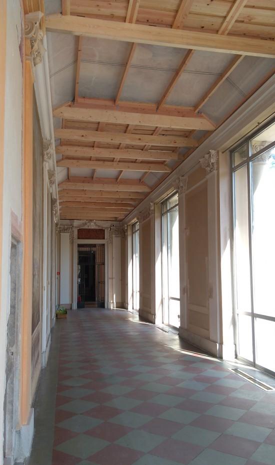 Zabezpiczenia dekoracji w Galerii Południowej w pałacu, fot. K. Pyzel.jpg