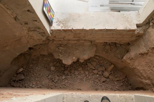 Relikt wnętrza klatki schodowej Wieży Południowej ,fot.A.Indyk.jpg