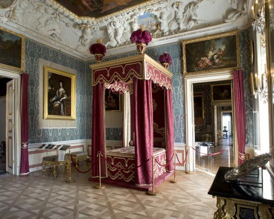 12. Sypialnia Króla 20x25.jpg