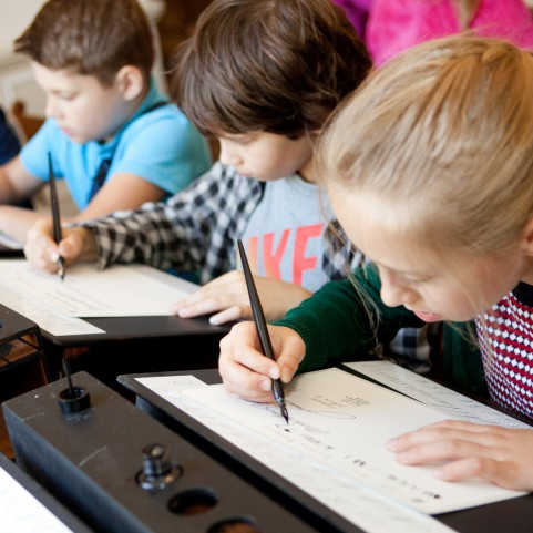 półkolonie, kaligrafia, dzieci, lekcje, warsztaty.jpg
