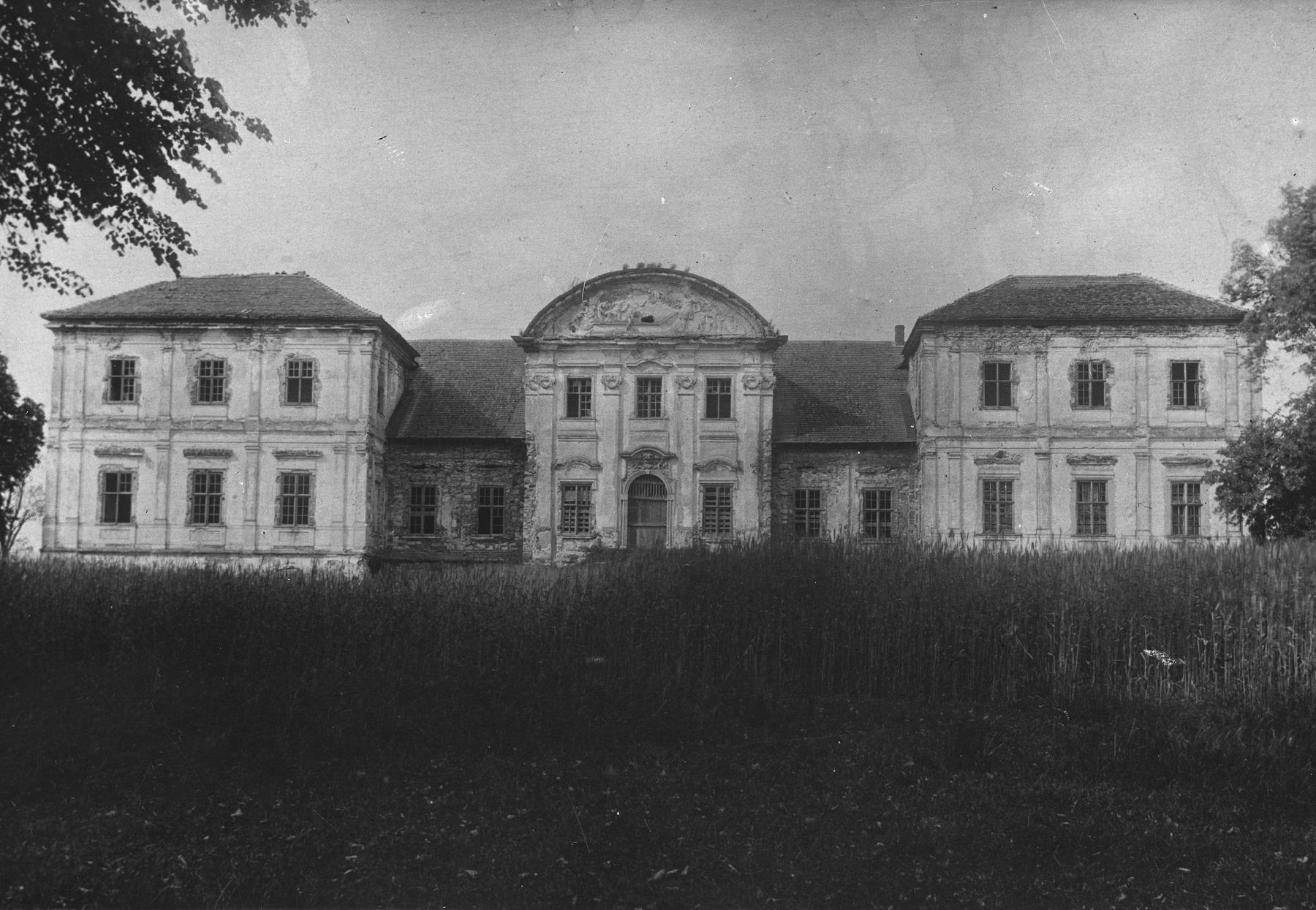 Pałac w Łubnicach