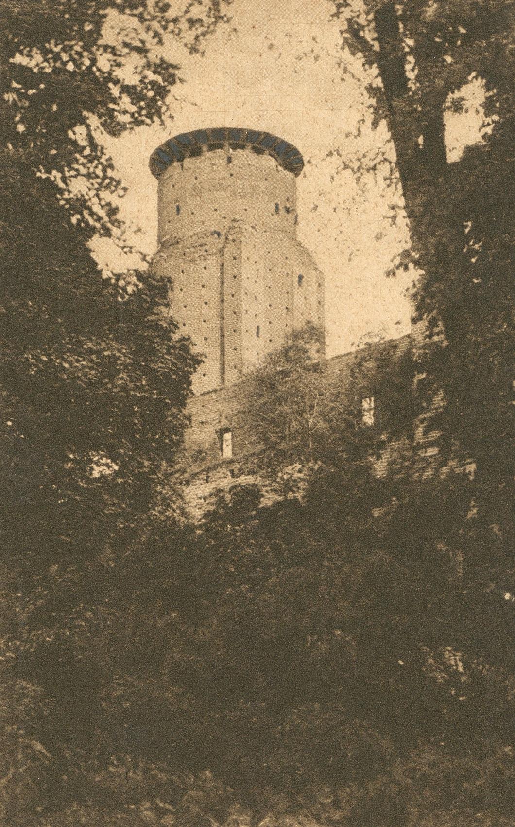 Wieża zamku w Uniejowie
