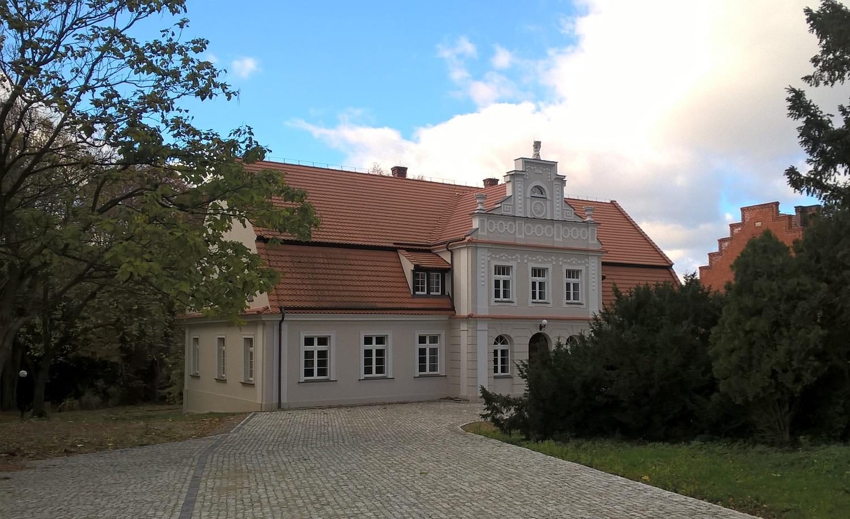 Dwór w Mnichach