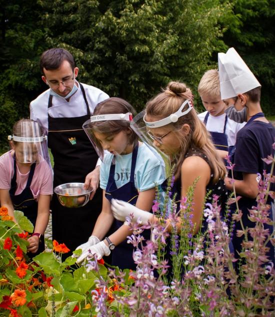 w ogrodzie, półkolonie, dzieci, kulinarne.jpg