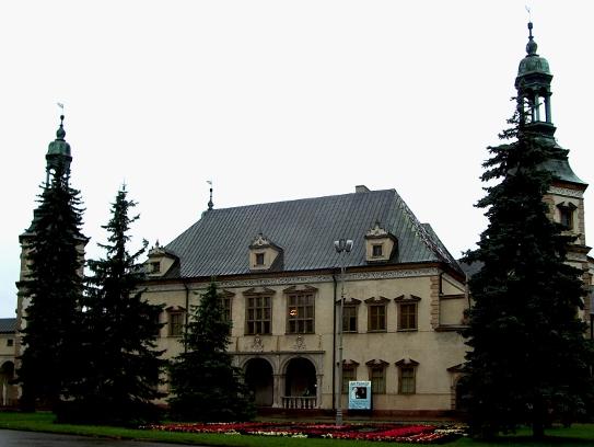 57_kielce_zamek_biskupow_poncino_bazanka.jpg